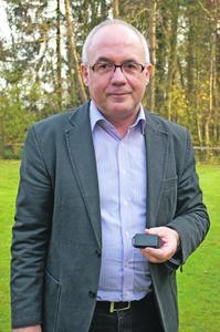 Hans-Hermann Ruschmeyer ist stolz darauf, die scomsens-Funksensoren der Dreyer+Timm GmbH auf der LogiMAT präsentieren zu können.