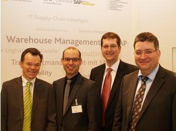 Detlef Spee, Fraunhofer IML; Tim Geißen, Fraunhofer IML; Matthias Martens, arvato Systems;  Detlef Helms, arvato Systems / Quelle: KfdM