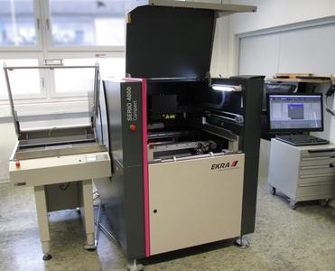 Tuning a la beflex electronic: Der speziell für die eigenen Bedarfe umgerüstete Schablonendrucker EKRA Serio 4000 deckt nun eine optimale, universelle Einsatzbreite ab