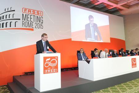 Fassi Gru celebrates the company's 50th anniversary with its distributors