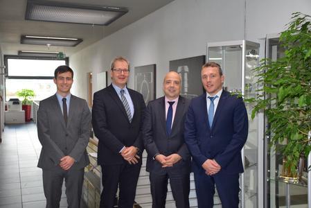 BU 1 Christoph Hauck zusammen mit den Hauptgeschäftsführern Dr. Markus Kerber (BDI) und Volker Thum (BDLI) sowie Tobias Stengel