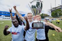 So sehen Sieger aus: Das Team von Hillmann & Ploog freut sich über den Sieg im ersten WISKA Business Cup
