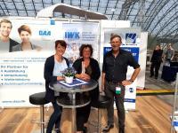 Dina Bösch, Geschäftsführerin der DAA (rechts), und Martina Dahncke, designierte geschäftsführende Vorständin der DAA- Stiftung Bildung und Beruf, auf dem Bundeskongress der Dienstleistungsgewerkschaft ver.di