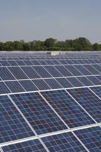 Solargroßprojekt geht in Nauen in Betrieb