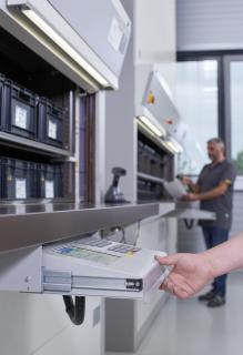 Mittels Barcode-Scanner werden im ERP-System hinterlegte Aufträge schnell und zuverlässig direkt am Lift erfasst.