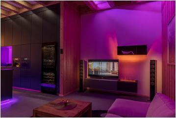 Entertainment-Lösungen von Loewe und Revox mit Lichtszenarien von Brumberg (Lichtszene 2) / Bild: Connected Comfort