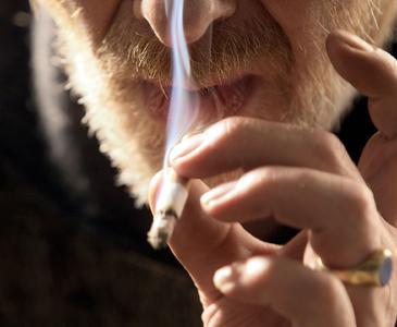 Auch wenn es den Vermieter stört: Rauchen gehört zum vertragsgemäßen Gebrauch einer Mietwohnung