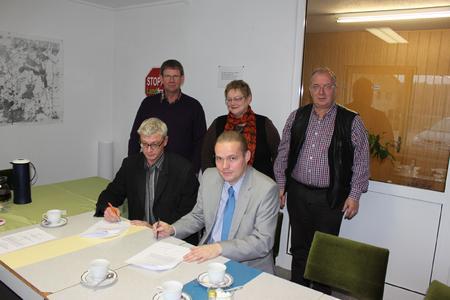 Vertragsunterzeichnung zwischen dem Bauernverband, der WEMAG und der Energie-Sparzentrale