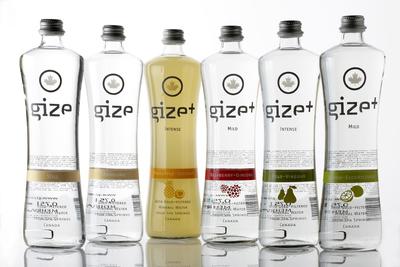 Gize gibt es mit und ohne Kohlensäure sowie als Gize+ in vier Geschmackssorten: Lemon-Elderflower, Raspberry-Ginseng, Pear-Vinegar und Pineapple-Coconut, (Foto: O-I Europe )