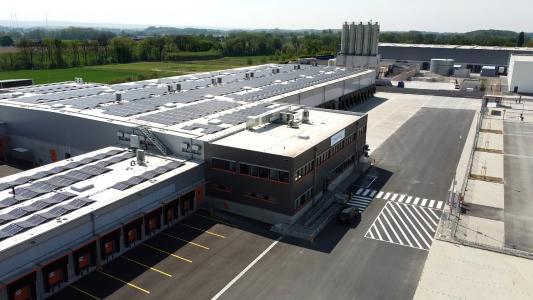 MHS liefert mit dem HC Shoe Sorter die Sortierlösung für das neue Umschlagzentrum von trans-o-flex im Hammer Industriepark Rhynern (Foto: trans-o-flex)