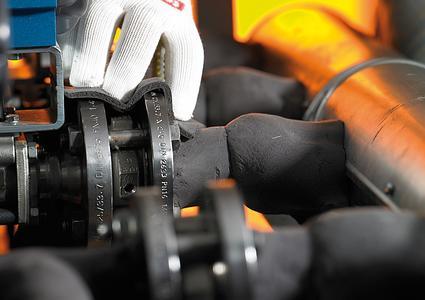 Conti® Thermo-Protect gewährleistet eine durchgehende und vollständige Isolierung – auch bei komplexen Leitungssystemen. Das Isoliersystem von ContiTech ist eine der fünf besten Innovationen, die für den Hermes Award 2012 nominiert waren