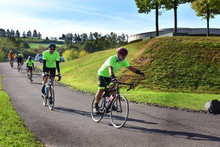 1.650 Kilometer für den guten Zweck: B. Braun-Mitarbeiter radeln von Rubí nach Melsungen / Bildnachweis: B. Braun Melsungen AG
