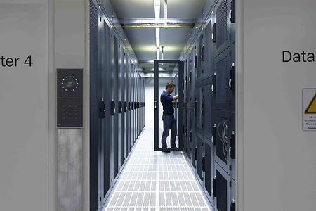 PCS präsentiert physische Sicherheit für das Rechenzentrum sowie Zutrittskontrolle, Zeiterfassung und Videoüberwachung auf der it-sa