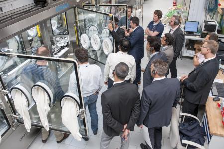 Maschinenvorführungen beim Pharma Forum begeisterten über 200 Teilnehmer aus 25 Nationen
