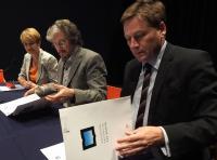 Präsident Prof. Oliver Günther, Ph.D. (Uni Potsdam), Rektor Carlos Ruta (UNSAM) und Wissenschaftsministerin Dr. Martina Münch (V.r.n.l.) (Foto: Pablo Carrera Oser)