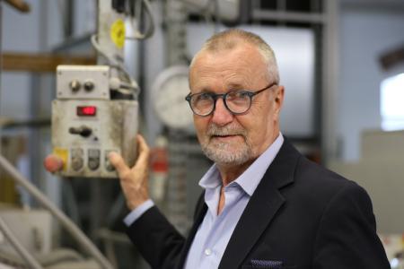 Dr. Gerhard Dust