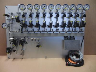 Das Gasmischsystem von TESTEM mit und ohne angeschlossenem Reaktor