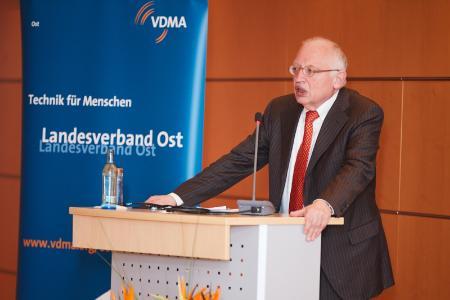 Der ehemalige EU-Kommissar Günter Verheugen sprach über die Welt im Umbruch und hinterfragte insbesondere die Zukunft der europäischen Einheit / Quelle VDMA Ost