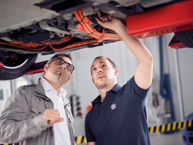 ZF Aftermarket unterstützt freie Werkstätten bei der Arbeit an E-Fahrzeugen durch ein umfangreiches Ersatzteileprogramm