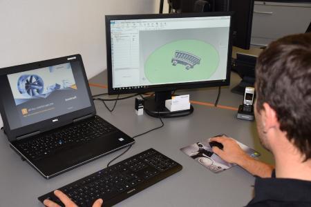 NX von Siemens sichert die Durchgängigkeit des Herstellungsprozesses.