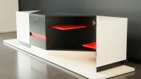 TV-Möbel mit außergewöhnlicher Farb- und Formgebung von Henrique Gomes
