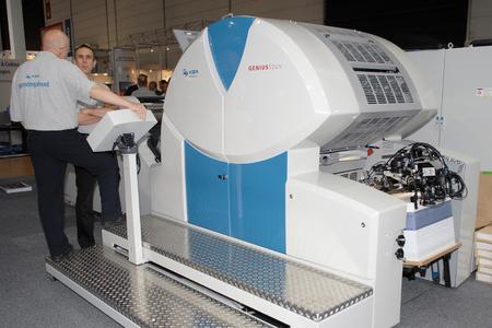 Die bewährte wasserlose Bogendruckmaschine Genius 52UV