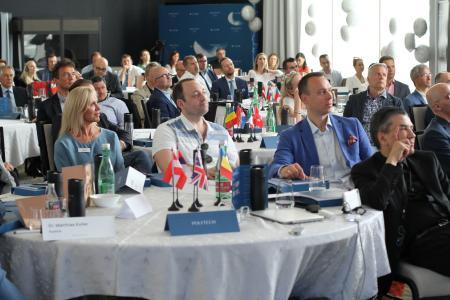 Mehr als 100 Teilnehmer aus über 30 Ländern trafen sich im kroatischen Šibenik zum Masterclass Meeting, das POLYTECH Health & Aesthetics für Ärzte und ästhetisch-plastische Chirurgen organisiert hatte. // Fotonachweis: Polytech Health & Aesthetics GmbH
