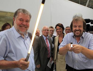 Auf seiner Sommerreise durch Rheinland-Pfalz besuchte Ministerpräsident Kurt Beck am 09. August das Lichttechnologie-Unternehmen Wammes & Partner im rheinhessischen Gundersheim / Bild: Stefan Sämmer