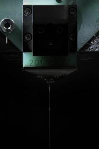 Der innovative und einzigartige Drahtwechsler AWC der CUT 2000 von GF Agie Charmilles wechselt den Drahtdurchmesser automatisch während der Bearbeitung.