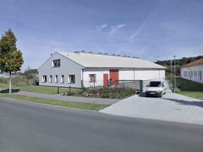 Isolierte Losberger Stahl-Systemhalle, 15 x 42 m, mit integrierten Büro- und Sozialräumen