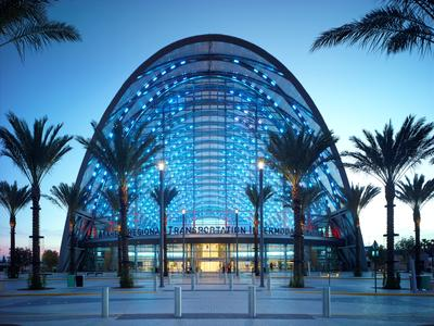 The films extruded from 3M Dyneon Fluoroplastic ETFE are part of the reason why the ARTIC building is certified to the highest US environmental standard, LEED Platinum / Copyright: John Linden
