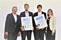 CCeV-Studienpreis 2019: Laudator Dr. Lars Herbeck, die Preisträger Amon Krichel und Michael Gnädinger sowie Organisatorin Katharina Lechler (v.l.n.r.) / © CUeV