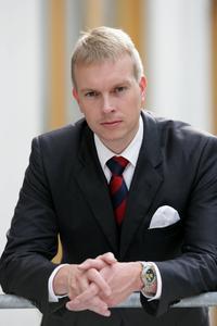 """Dr. Christof Stotko, Leiter Global Marketing EOS, freut sich über die Auszeichnung von EOS als """"Hidden Champion""""."""