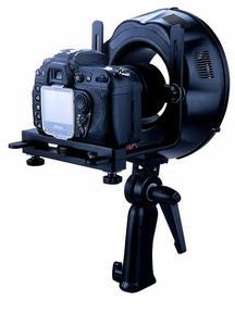 Professionelle Ringblitzgeräte für den Studio und/oder Außeneinsatz stehen für professionelle Porträt- und Sachfotografie zur Verfügung