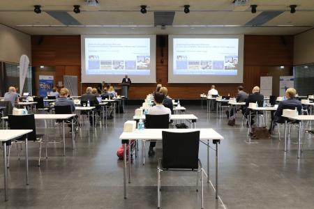 Spannende Einblicke in die Trends und Forschungsthemen rund um die Lasertechnologie und Materialwissenschaft gaben die Referenten der ersten gemeinsamen Tagung in Teilpräsenz an der Hochschule Aalen