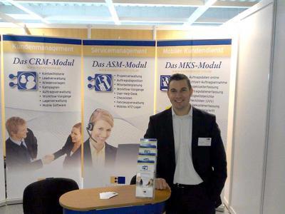 Herr Marcel Schwindt stellt die midcom GmbH vor