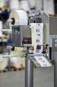 Legi-Air 4050 AC: Bis zu 30000 variable Etikettierungen pro Stunde sind mit diesen System möglich / Foto - Bluhm Systeme
