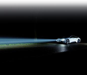 BMW i8 bringt Laserlicht in Serie