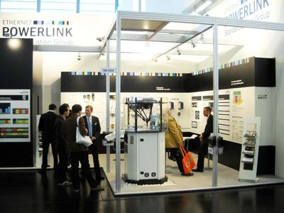 The EPSG booth at the embedded world 2012 exhibition saw a large number of visitors crowded around a tripod robot being used to prove the speed, precision and vendor neutrality that can only be achieved with drive components synchronized via POWERLINK