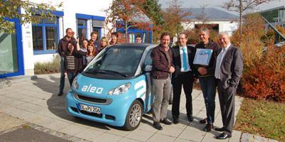 Deutscher Solarmodulhersteller aleo solar zeichnet Grammer Solar für erfolgreiche Zusammenarbeit aus und übergibt smart