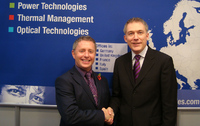 left: Martin Hodges, Sales and Marketing Director Manutech Europe; right: Jan Meise, Chief Sales Officer of AMS Technologies