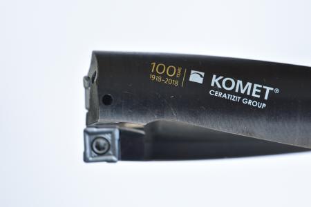 Der 100-Jahre-Bohrer KOMET KUB 100: Aus der vereinten Kompetenz der zwei globalen Werkzeugspezialisten KOMET und CERATIZIT ist dieser Spitzenbohrer entstanden, der in der CERATIZIT Jacques Lanners Halle (Halle 3) erstmals vorgestellt wird / Bild: CERATIZIT