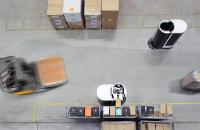 Autonome Roboter von Magazino - Gabelstapler von Jungheinrich: Automatisierung gilt als einer der größten Wachstumstreiber der Intralogistikbranche. Getrieben wird dieser Trend vom anhaltend starkenWachstum im Online-Handel und dem weltweiten Mangel an Logistikfachkräften,insbesondere Staplerfahrern.