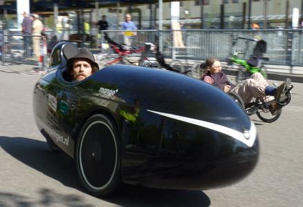 Per Velomobil oder Liegerad: Für Experten, Fahrradfans und Familien hat auch die 16. Spezialradmesse 2011 wieder viel Neues zu bieten.