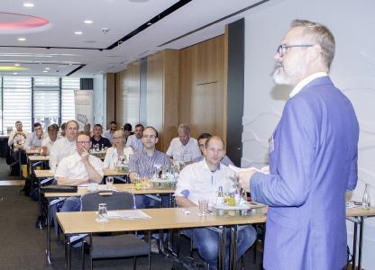 """Die Tagung """"all around filtration"""" von Hesch informierte über Themen wie Industrie 4.0, energieeffiziente Filtertechnik und modulare Fertigungsverfahren"""