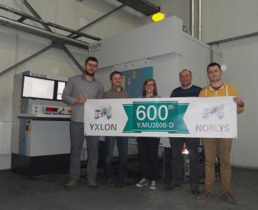 (from left to right): Damian Marmol, Przemysław Taras, Karolina Zoń- Słaby, Piotr Wańczyk, Łukasz Peciak – all NORLYS – in front of their new X-ray inspection system Y.MU2000-D