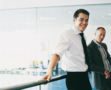 Privatgespräche rangieren auf Platz drei der beliebtesten Privataktivitäten im Büro. (Foto: Regus)