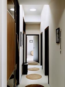 velux setzt fensterlose r ume ins rechte tageslicht. Black Bedroom Furniture Sets. Home Design Ideas
