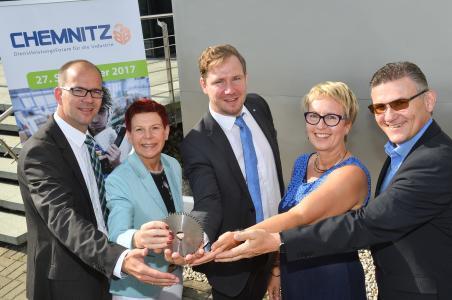 Veranstalter von Chemnitz B2B v.l.n.r. Sören Uhle (CWE), Dr. Ina Meinelt (P3N), Christoph Neuberg (IHK), Steffi Schönherr (HWK), Andre Rehn (Messe Chemnitz), Foto: Wolfgang Schmidt