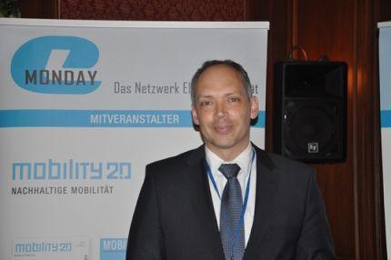Dr. Julian Weber, Leiter Innovationsprojekte E-Mobilität bei der BMW Group, versprühte beim e-Monday in München Begeisterung für Elektromobilität
